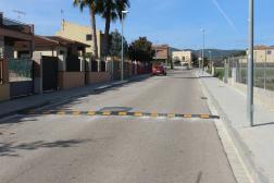 L'Ajuntament de Sant Martí Sarroca col·loca bandes reductores de velocitat al carrer Bosquet